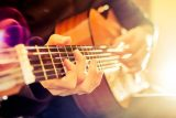 how to play guitar online